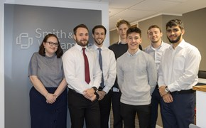Smith & Williamson Southampton welcomes seven new trainee chartered accountants